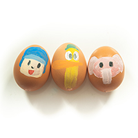 Painting Easter Eggs with Pocoyo